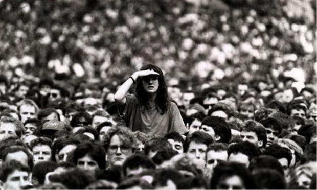 lost-in-crowd